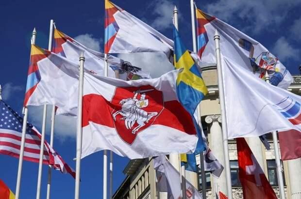 На ЧМ по хоккею в Риге триколор заменили на флаг Олимпийского комитета РФ