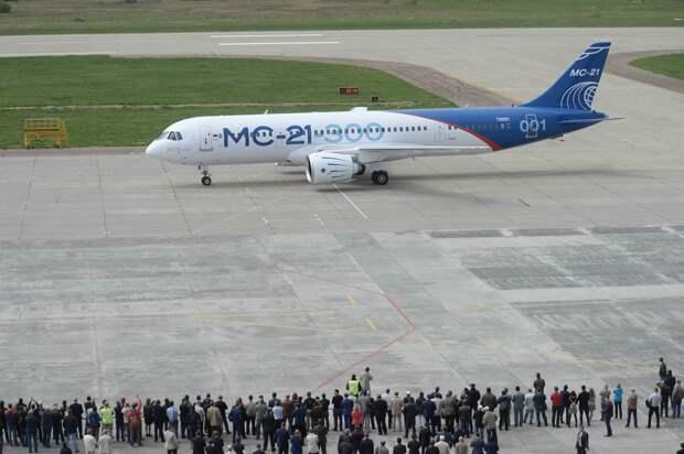 Лайнер МС-21 совершил первый полет в Иркутске