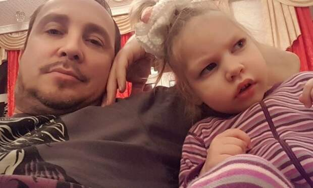 """Экс-подруга Данко сообщила о нахождении особенной дочери в реанимации: """"Всех прошу молитв"""""""