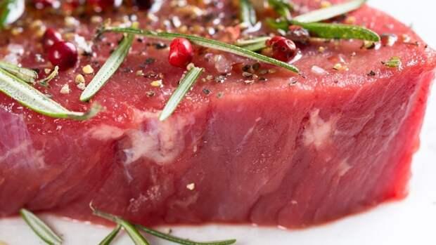 Женщина украла почти 20 кг мяса из петербургского супермаркета
