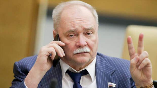 Собянин назвал Бортко выдающимся режиссером в день его 75-летия