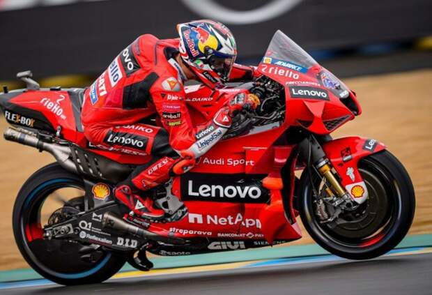 Джек Миллер выиграл хаотичную гонку MotoGP в Ле-Мане