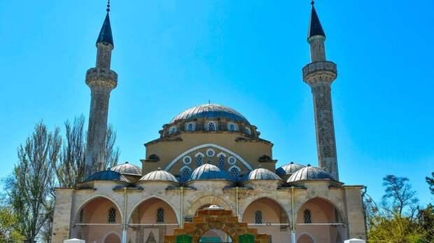 Аксёнов поздравил мусульман с окончанием священного месяца Рамадан