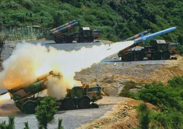 Японские эксперты: Китайские ракеты не способны попасть в авианосец США с расстояния больше 1000 км