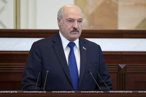 Лукашенко объяснил высылку латвийских дипломатов из Белоруссии