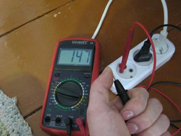 Регулярная проверка электричества просто необходима в своем доме и на даче. /Фото: ruselectronic.com