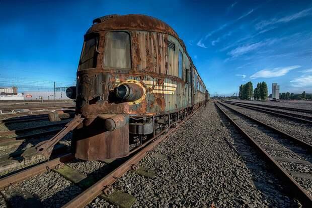 ЭтоУкраина: пассажиров поезда окатило вонючей водой (ФОТО, ВИДЕО)