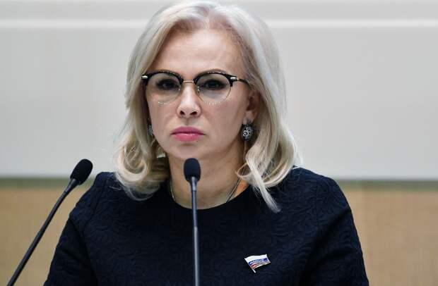 Сенатор посоветовала Зеленскому переключиться с Крыма на Украину