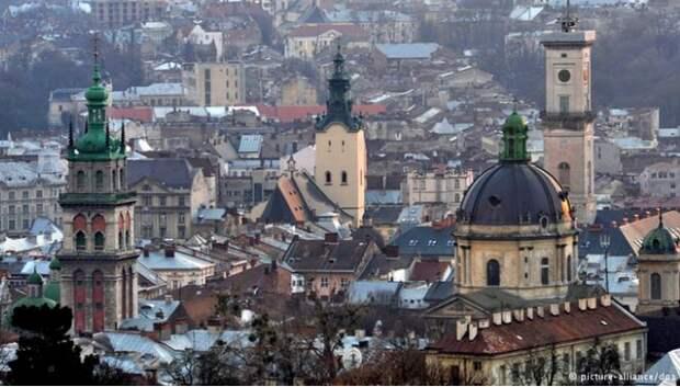 И пришла реституция. Львовские власти призвали город готовиться к возврату собственности прежним владельцам