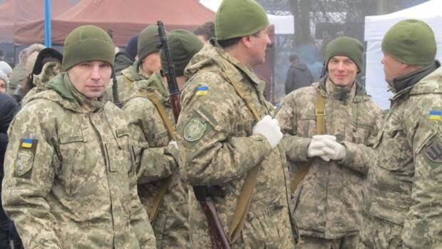 Экс-командующий силами АТО рассказал, кто деморализует бойцов ВСУ