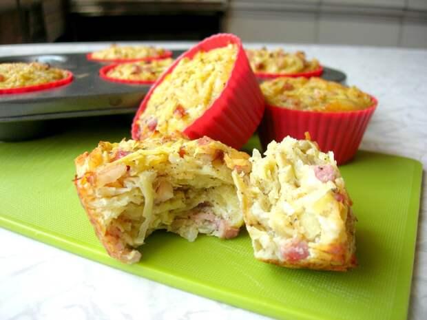 Картофельные маффины с копченым мясом без муки — отличная идея для пикника