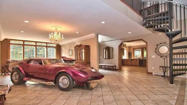 В США продается дом, в котором могут «жить» автомобили