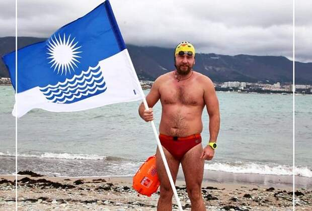 Житель Геленджика установил рекорд России по зимнему заплыву