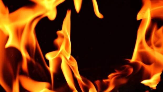 Киевляне избили и сожгли мужчину за оскорбление ребенка