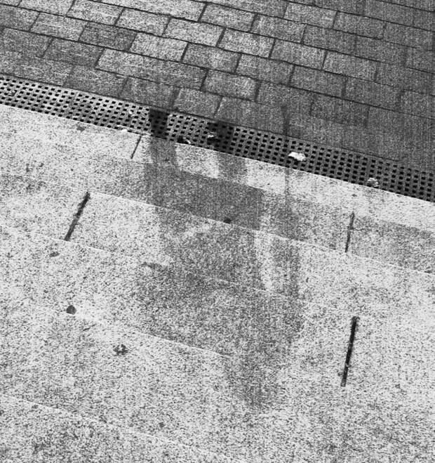 6. Тень человека, оставшаяся после ядерного взрыва в Хиросиме. история, мир, фотография
