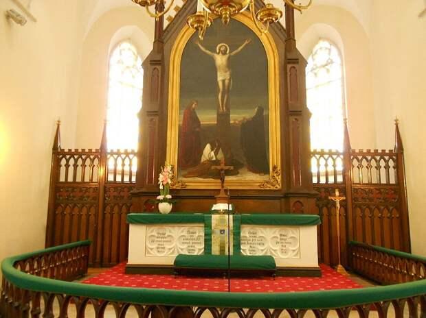 Высокий алтарь церкви Святого Иоанна, Таллинн.jpg