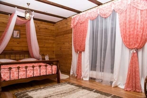 Декоративные потолочные балки в интерьере: незабытое старое