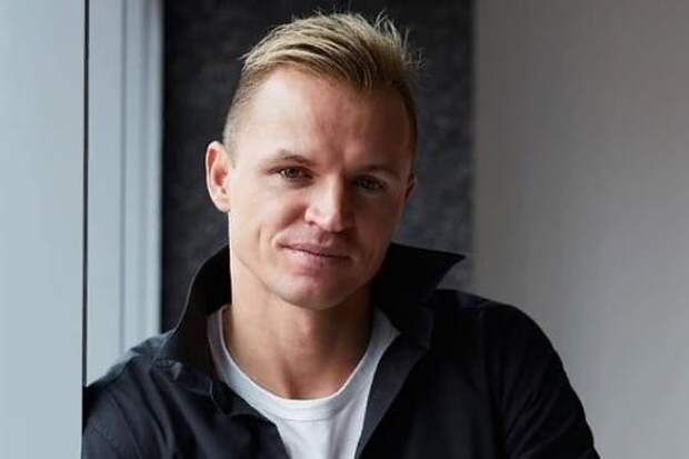 Дмитрий Тарасов признался, что его обеспечивает жена