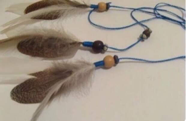 прикрепляем перья