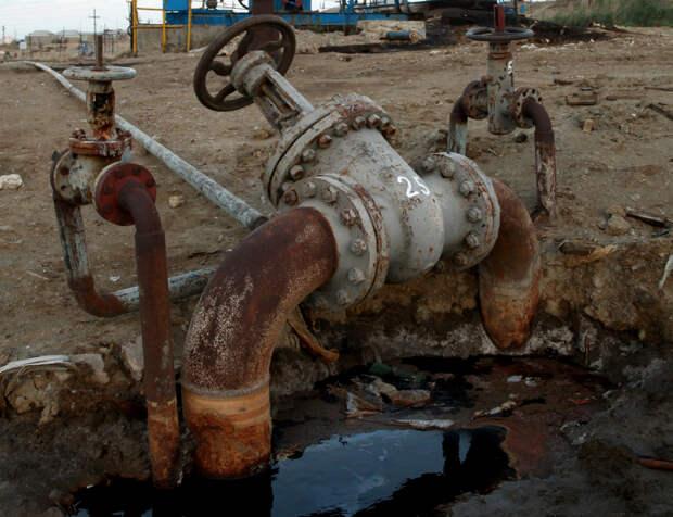 2015: эксперты прогнозируют снижение нефтедобычи