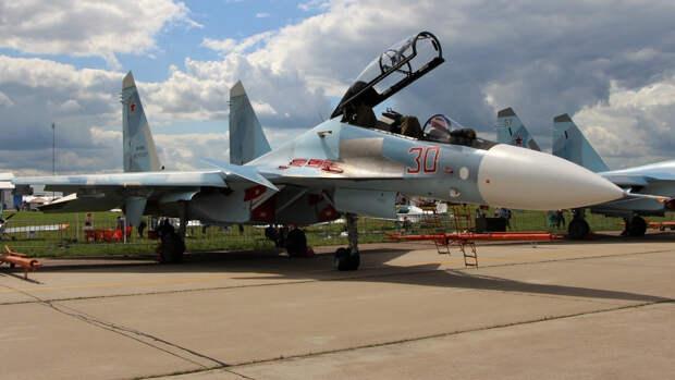 Опубликовано видео перехвата российским Су-30 трех самолетов ВВС Франции над Черным морем