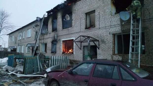 Одного из пострадавших на пожаре в Игре доставят в Ижевск вертолетом