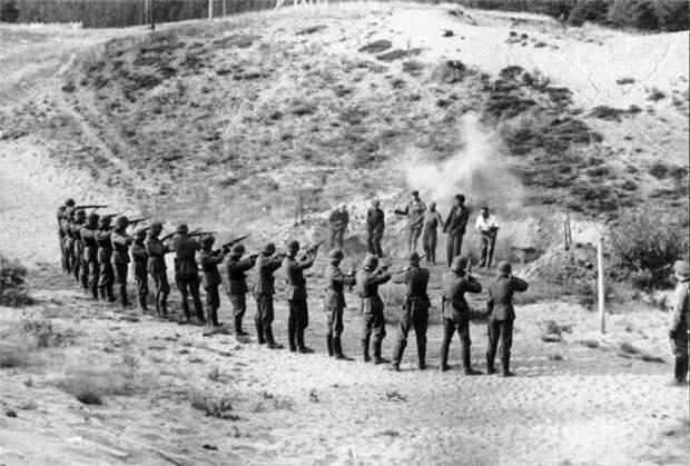 Расстрел советских партизан