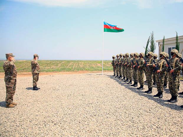 Азербайджан начинает широкомасштабные военные учения