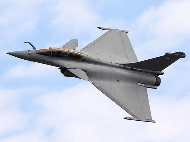 Каир желает приобрести до ста французских самолетов к 2026 году