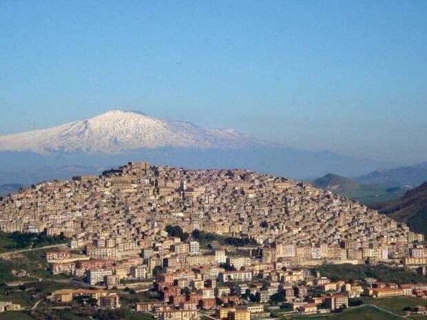 Ганджи - удивительный город на острове Сицилия, где можно приобрести дом за 1 евро (Италия). | Фото: gogetnews.info.