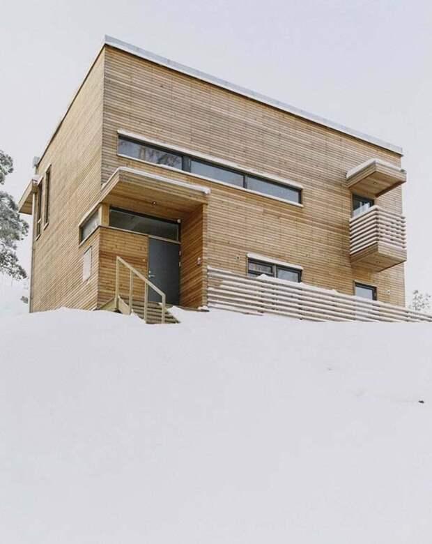 Легкий деревянный дом в стиле минимализм.