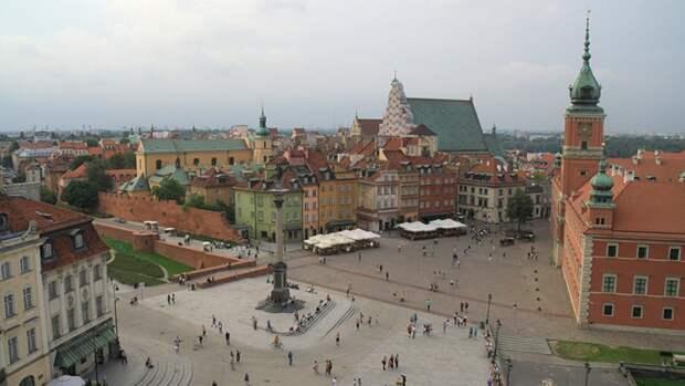 """Эксперт The Hill объяснил, почему Польше грозит """"мягкая"""" цветная революция"""