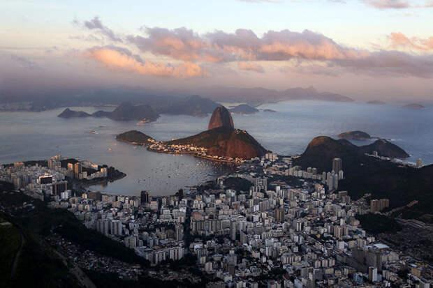 Вид на Рио-де-Жанейро и скалу Сахарная голова красота, путешествия, фото