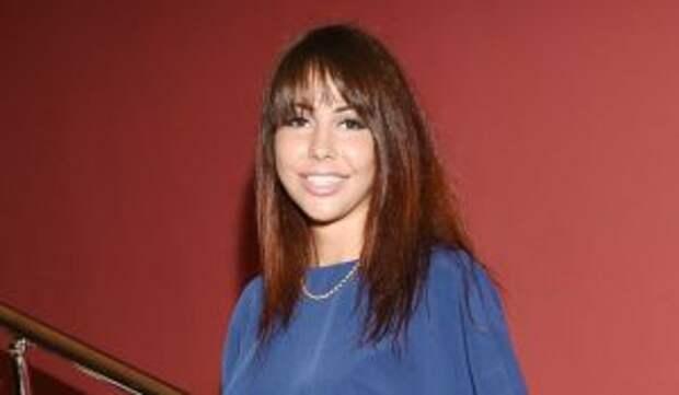 Рыдающая порнозвезда Беркова с кровотечением записала видео