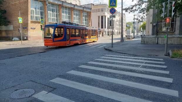 Фото дня: трамвай «морковка» затесался в Марьиной роще
