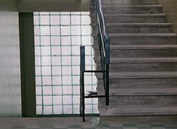 Со временем область применения стеклянных «кирпичей» была расширена / Фото: yap-helper.ru