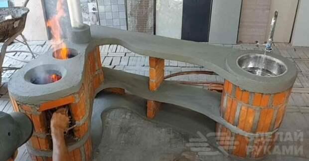 Дачный «уголок» для приготовления пищи — с дровяной печкой и мойкой
