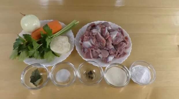 Бюджетно и вкусно! Засыпаем куриные желудочки содой и получаем праздничную закуску за 100 рублей