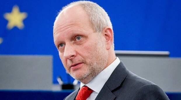 На Украине активно обсуждают угрозы посла ЕС Матти Маасикаса
