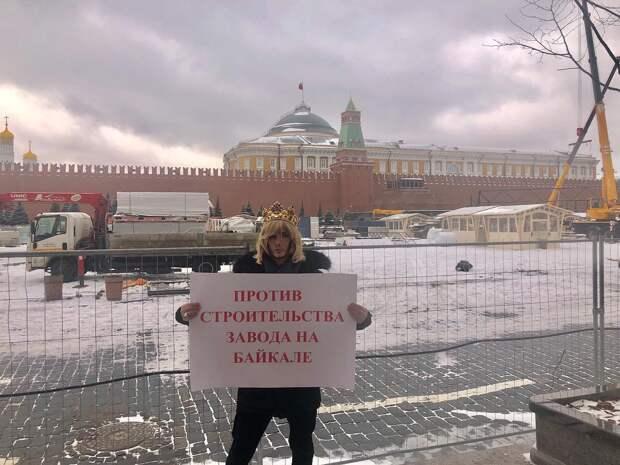 Сергея Зверева оштрафовали на 15 тыс рублей за пикет у Кремля против завода на Байкале