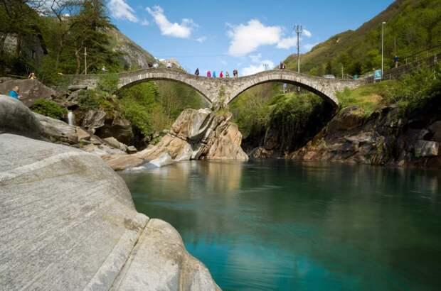 Римский мост, пересекающий реку Верзаска. Источник изображений: Яндекс. Картинки