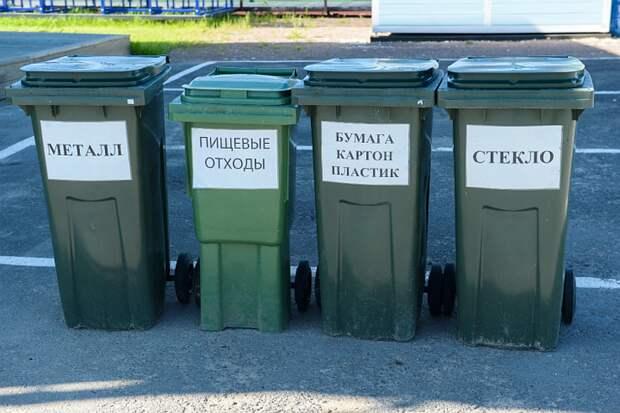 Глава Ленобласти Александр Дрозденко призвал власти Санкт-Петербурга ускорить строительство мусорных заводов