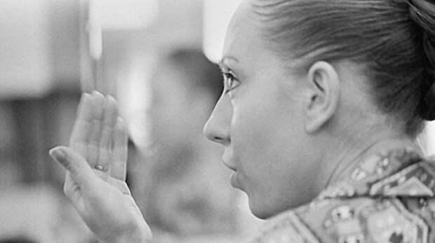 Инна Чурикова в гримерной Ленкома. 1975 год