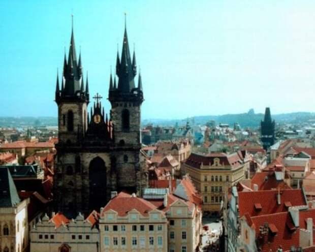 Глава МИД Чехии уточнил число остающихся в Праге после высылок российских дипломатов