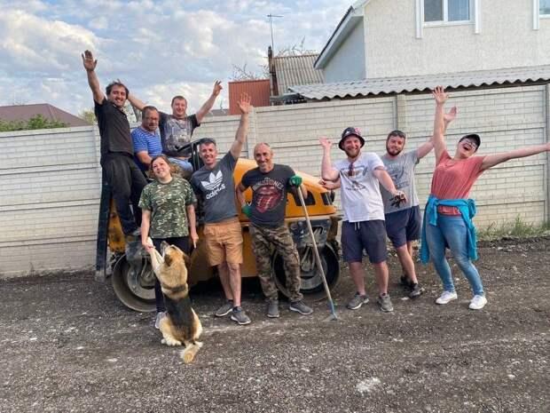 Жители пригорода Симферополя в складчину отремонтировали дорогу