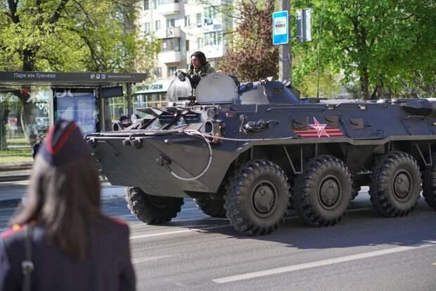 В Симферополе готовятся к генеральной репетиции парада ко Дню Победы. Фоторепортаж
