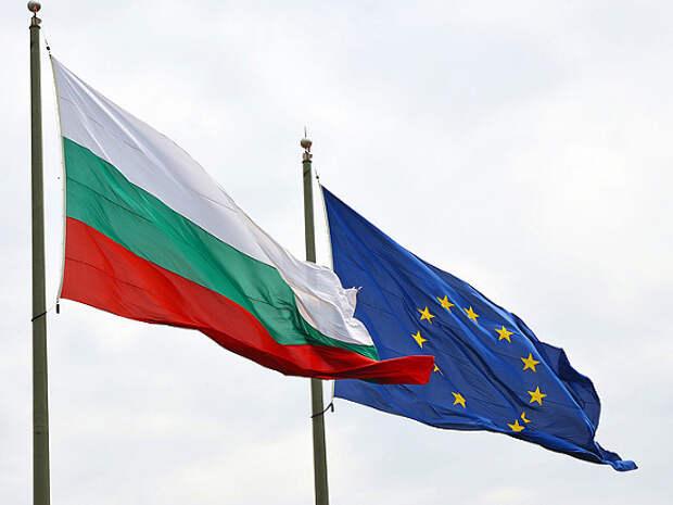 Болгария разрешит въезд туристам с иммунитетом к COVID-19