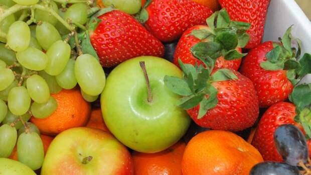 Черника, клубника и яблоки могут снизить риск развития гипертонии