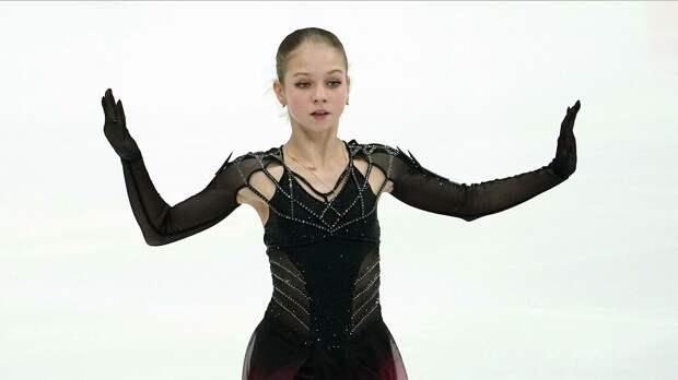 Трусова выиграла короткую программу на Кубке, но упала и снялась с произвольной. Лидером стала Туктамышева