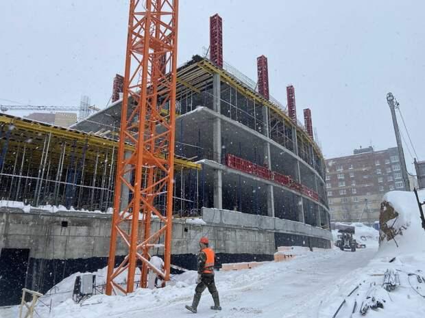 Образование будущего: корреспондент «Нижегородской правды» побывал на стройке «Школы 800»